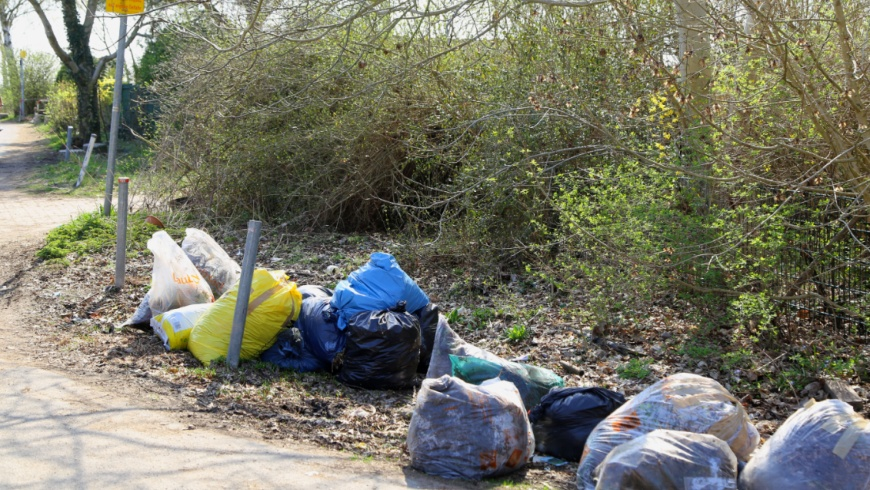 Laubsack legal - Müllsack illegal