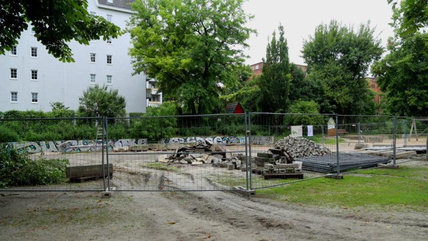 Spielplatz: Baubeginn im Heinrich-Lassen Park