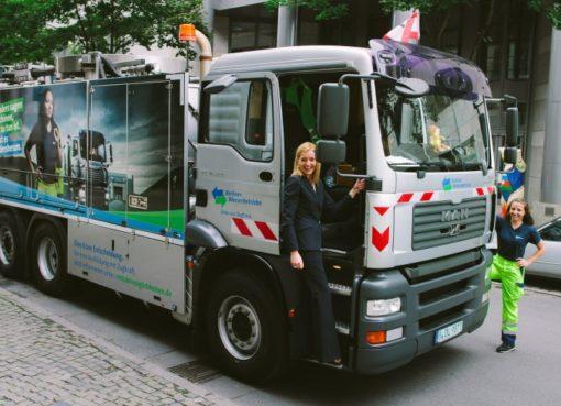 Tank-Saug-Fahrzeug der Berliner Wasserbetriebe