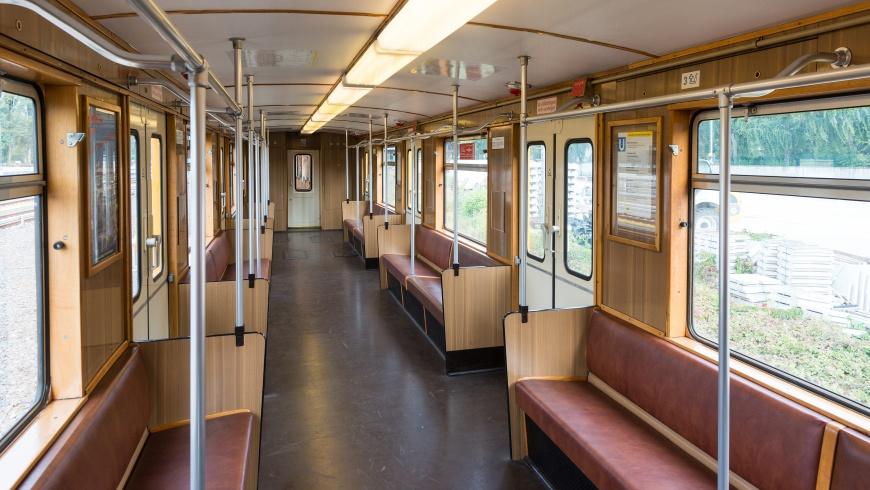 Innenraum der U-Bahn-Baureihe E III