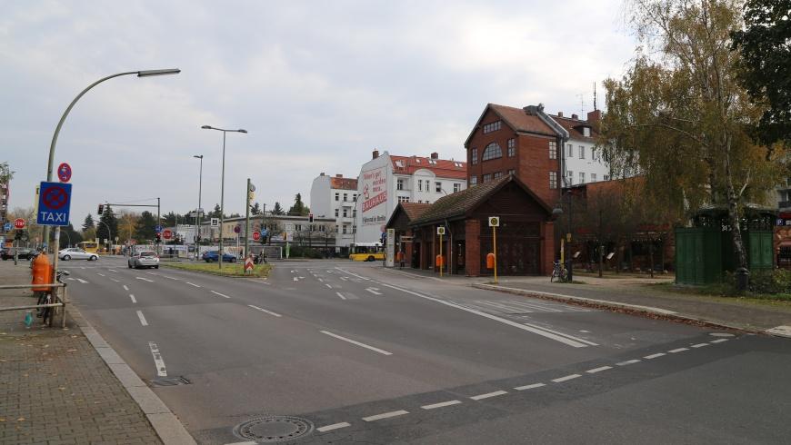 Umsteigepunkt Alt-Mariendorf
