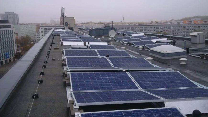 Photovoltaik-Anlage auf dem Dach Mollstraße 5 - 7