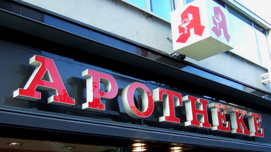Apotheke Schriftzug & Logo