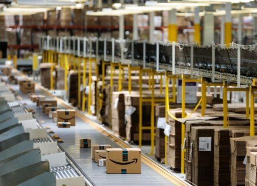Amazon-Paketlogistik-Verteilerzentrum