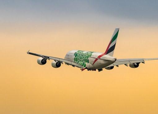 Airbus A 380 von Emirates beim Start