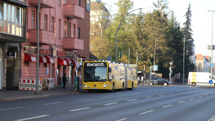 Bus X71 in Alt-Mariendorf