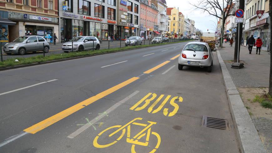 """""""Bussonderstreifen mit Radverkehrsnutzung"""" wird zur Baustelle - Foto: tsz"""