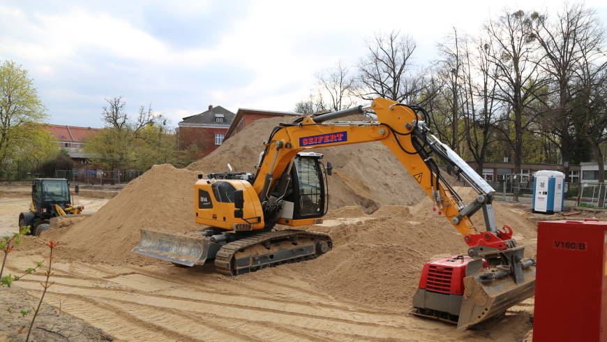 Verquere Baulogistik schon beim Aushub und Einbau der Sauberkeitsschicht - Foto: m/s
