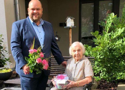 Hildegard Arrndt - 106-jähriger Geburtstag
